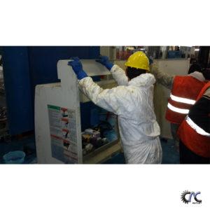 LUCRARI DE CURATIRE SI MENTENANTA CENTRU DE FREZAT CU CNC - MAZAK VARIAXIS 630 -5X 17