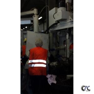 LUCRARI DE CURATIRE SI MENTENANTA CENTRU DE FREZAT CU CNC - MAZAK VARIAXIS 630 -5X 31